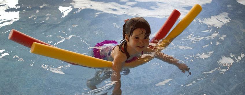 Pomen gibanja za otroke plavanje je rešitev